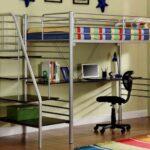 Такой вариант лестницы – самый удобный и безопасный но он занимает дополнительное пространство